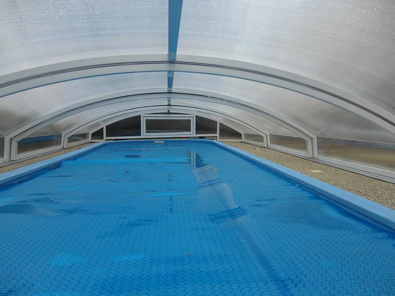 schwimmbaduberdachung